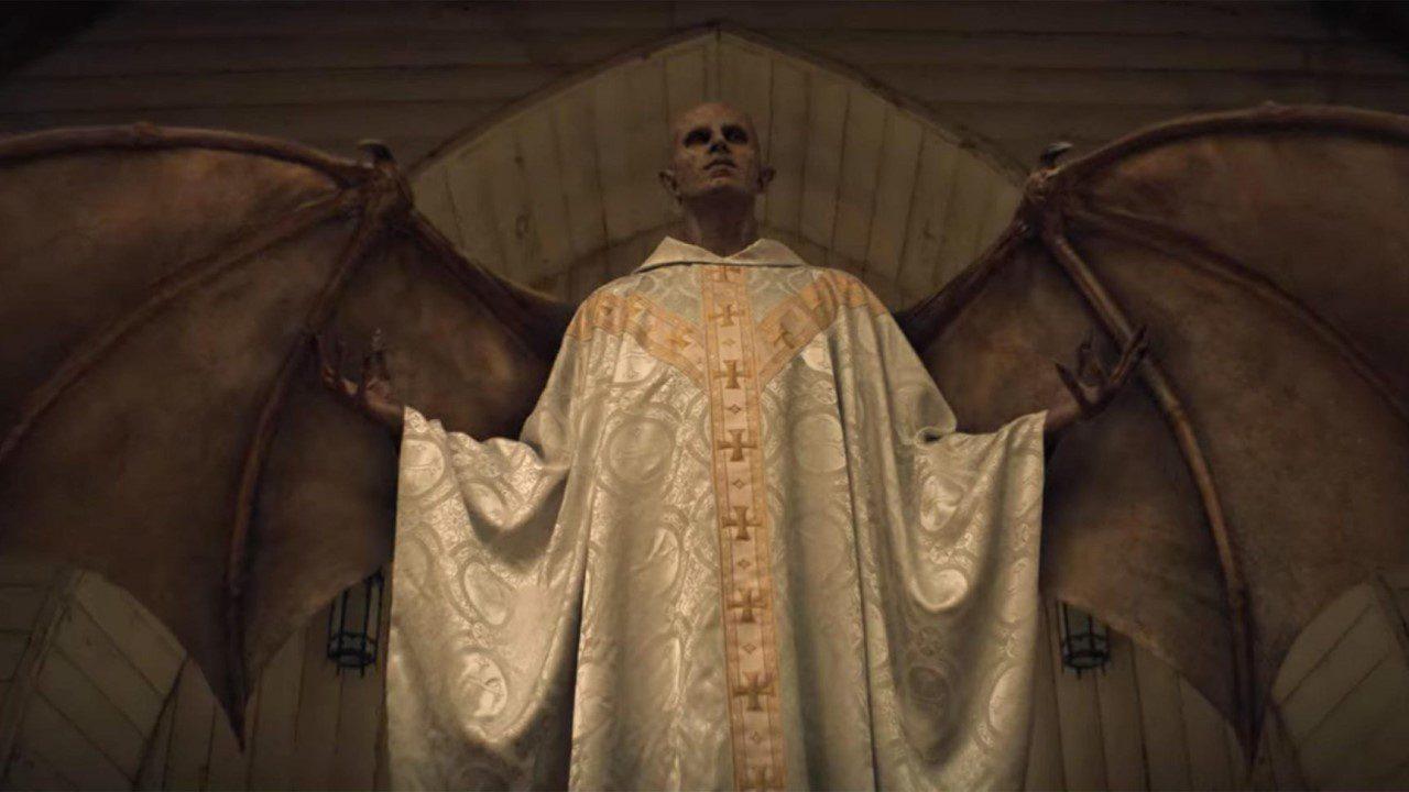 'Midnight Mass': Phim kinh dị nói về cuộc chiến giữa đức tin và sự cuồng tín - Midnight Mass